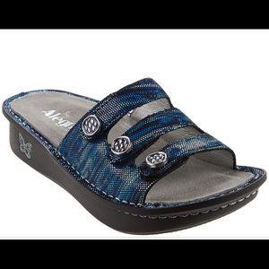Alegria Fiona  triple strap sandals